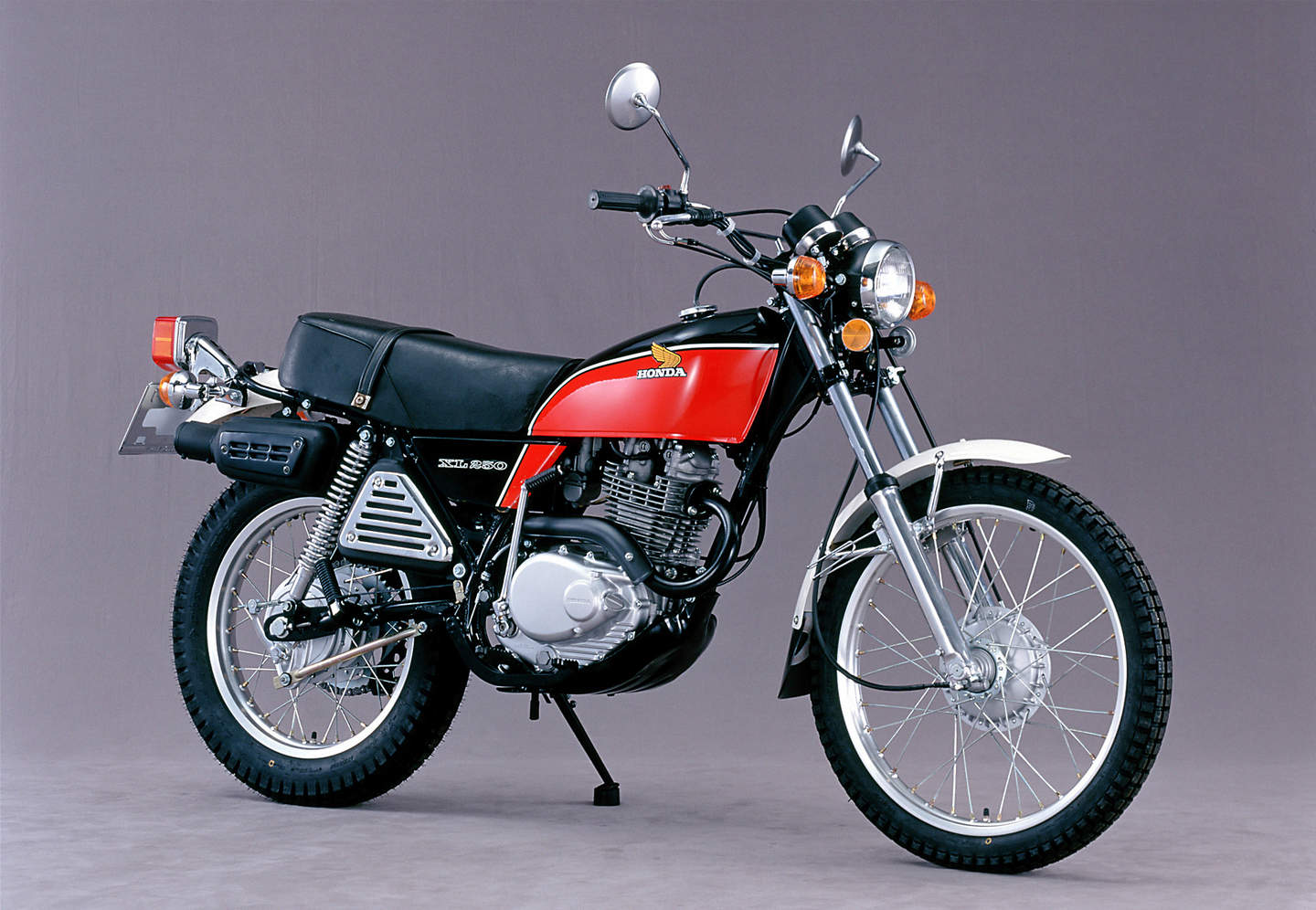 honda xl 125 cafe with Honda Sl 250s Xl 250s on Motos Scrambler likewise Honda Cb 350 Four besides Honda Dream 50 2 moreover Watch as well Honda Sl 250s Xl 250s.