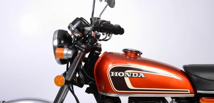 Honda CB 250 G mit Originallackierung mit schöner Patina