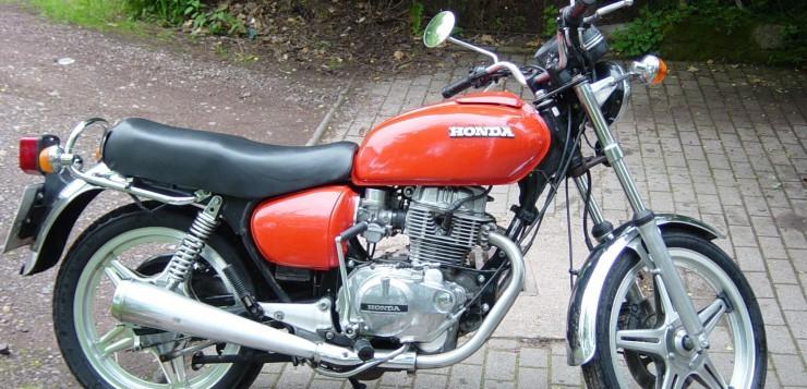 Restaurierte Honda CB 400T