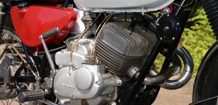 Kawasaki A1SS Motor