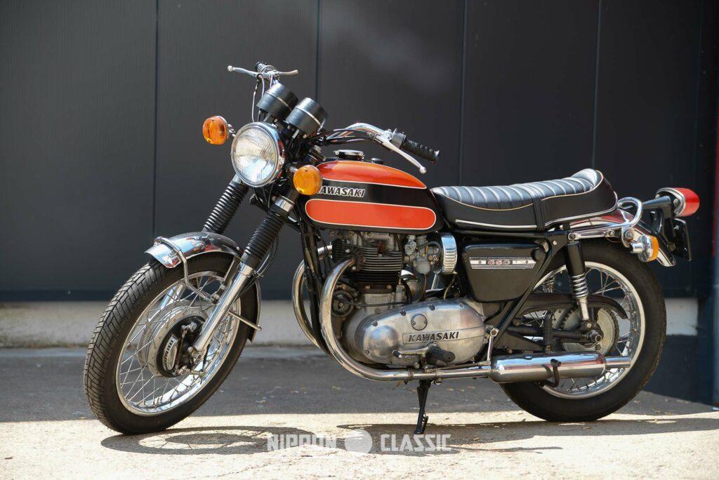 Aus einer aufgebohrten Meguro 500 entstand die Kawasaki W1 mit 650 ccm Parallel-Twin.
