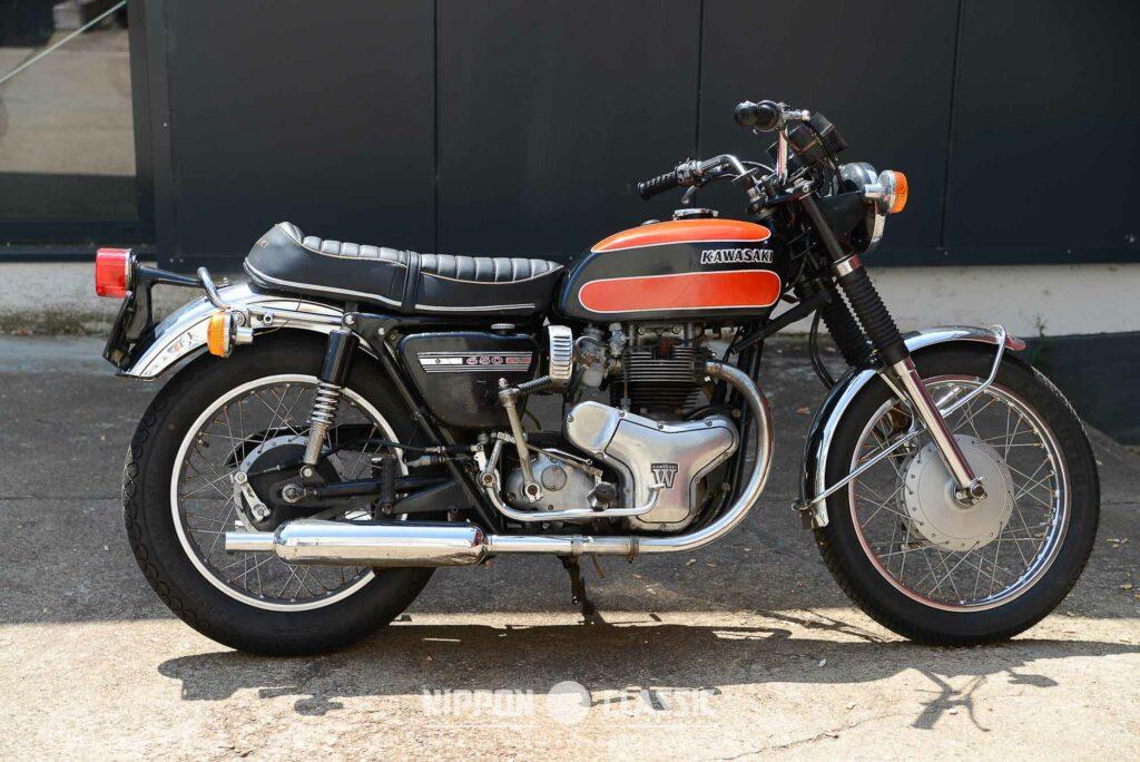 Erkennungszeichen der Kawasaki W1 650 ist der auffällige rechte Motorseitendeckel