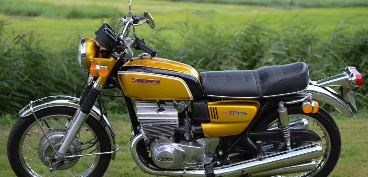 """Die Suzuki GT 550 kam 1972 auf den Markt - u.a. in """"Aztec Gold"""""""