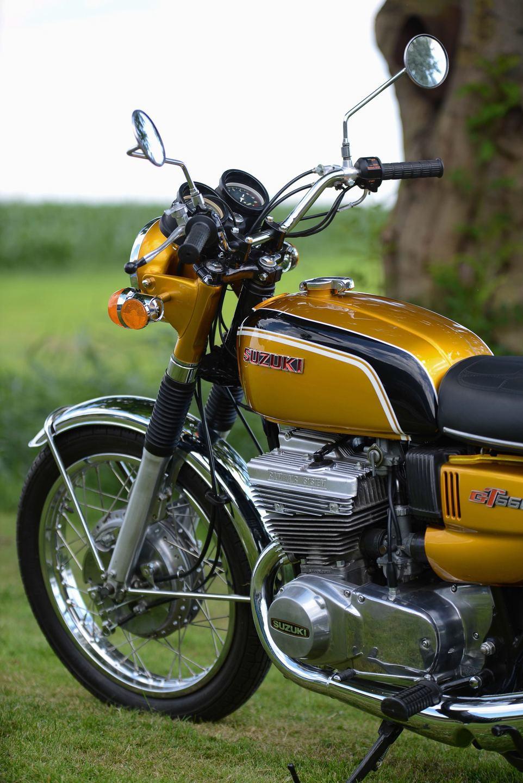 Suzuki Gt 550 usato in Italia | vedi tutte i 96 prezzi!