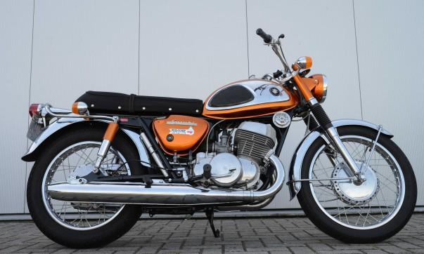 Suzuki T 500 Titan (Nippon-Classic.de)