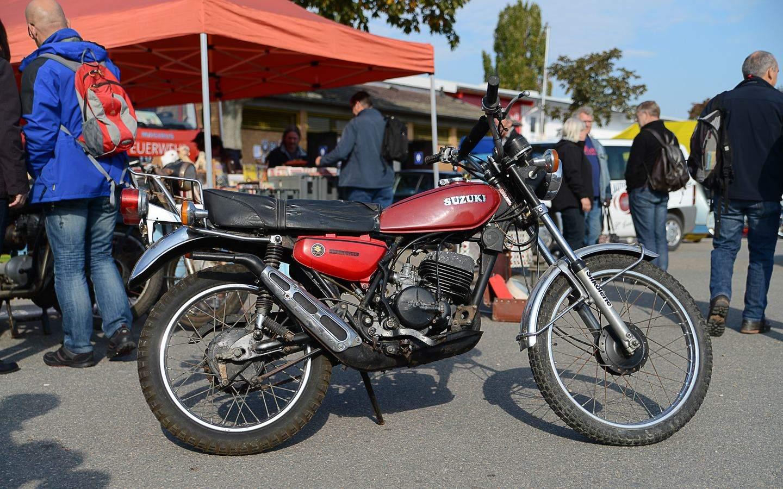 Suzuki Ts 125 Ts 125 Er Wirbelwind In Der Achtelliterklasseon Yamaha Xt 125