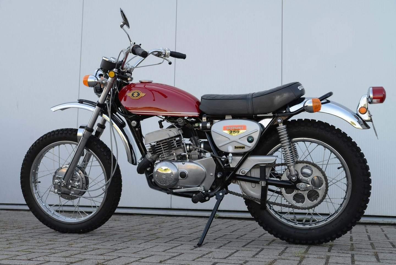 Suzuki Ts 250 1969 1981 Die Wilde Enduro Trail Bikes Und Verleugnet Ihr Bevorzugtes Terrain Nicht Quelle