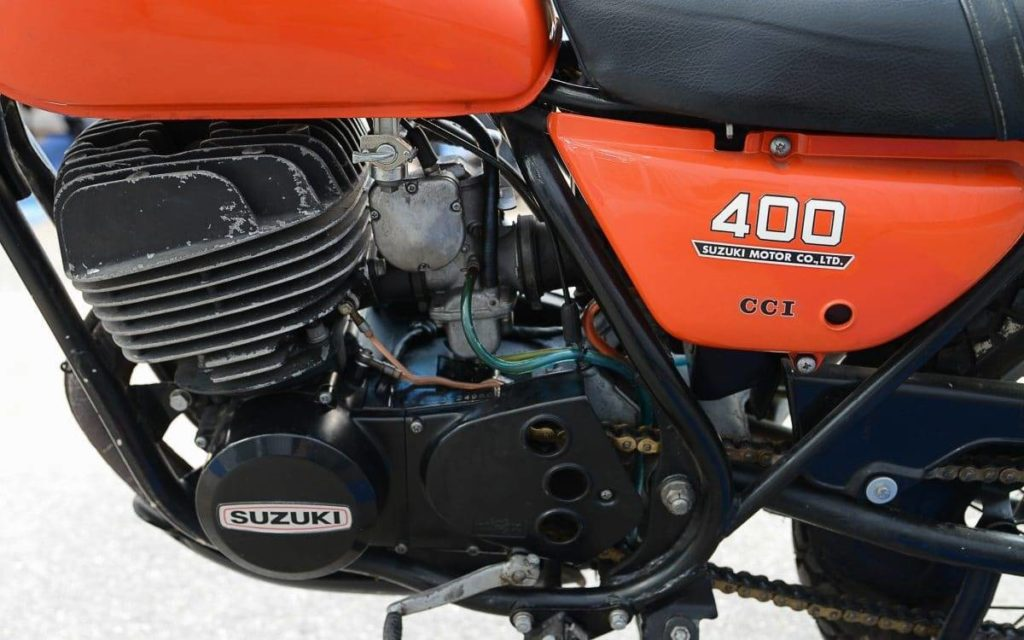 Suzuki TS 400 Apache leistet 34 PS
