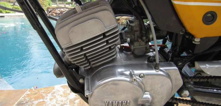 Das notwendige Motoröl wurde in den Ansaugtrakt der CT 1 gespritzt
