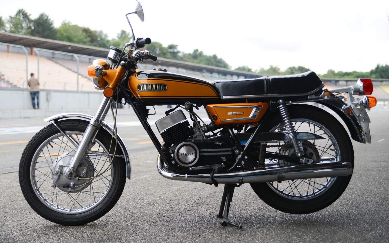 Yamaha ds 7 1970 1972 zeitzeugin unserer wilden jahre for Yamaha suzuki of texas