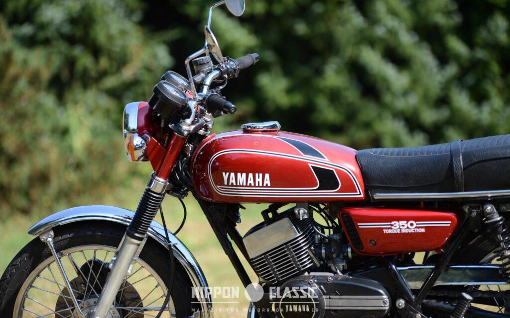"""Die Yamaha RD 350 - hier in schönem """"Ruby Red"""" -folgte 1973 der R5 nach"""