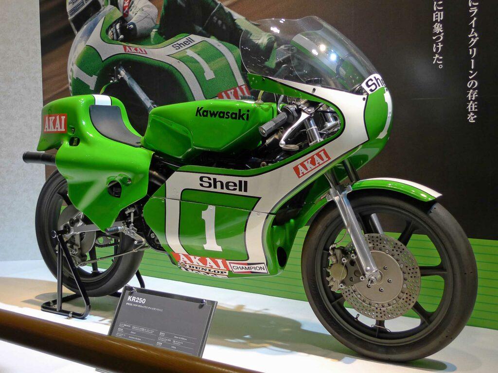 Auf der Kawasaki KR 250 holte sich Toni Mang zwei Weltmeistertitel