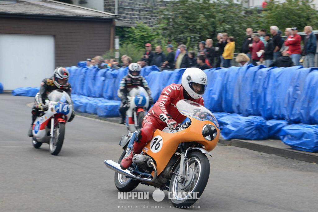 Helmut Dähne startete in Schotten auf seiner BMW mit der Nummer 76