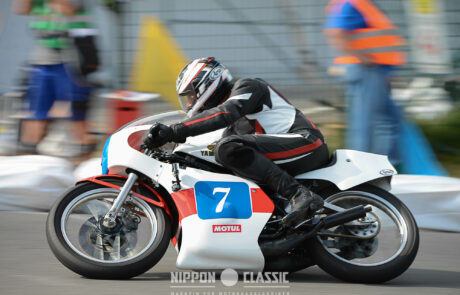 Mike Florin fährt statt König eine Yamaha TZ von 1980
