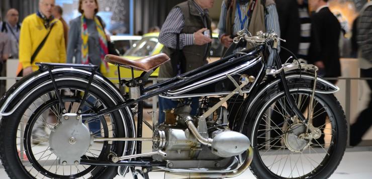 Doch BMW baut bereits seit 1923 Motorräder - hier eine R 37