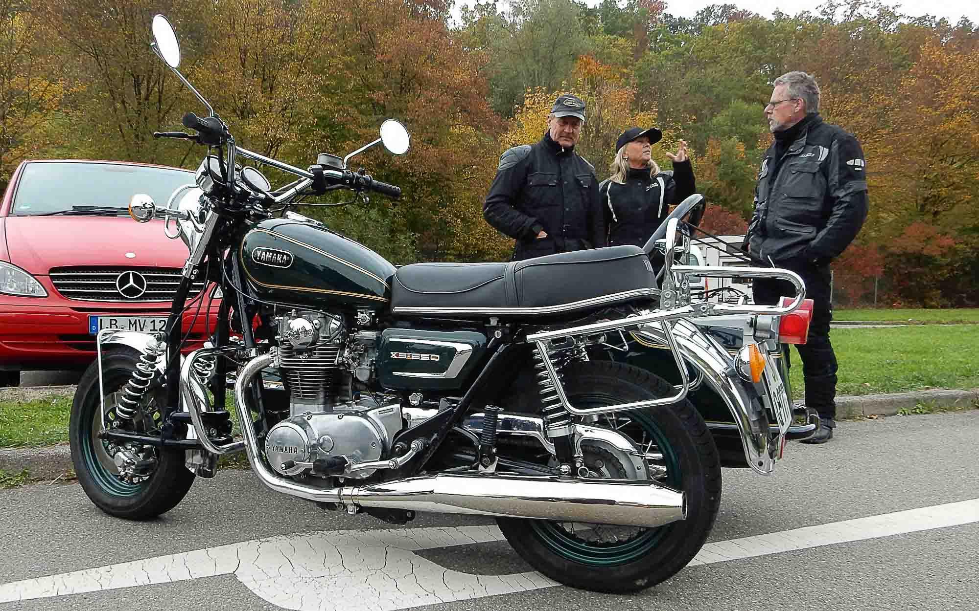 Schöne Yamaha XS 650 mit Beiwagen