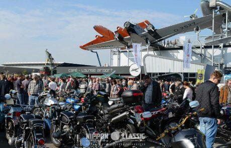 250 hochglanzpolierte Zweirad-Klassiker gab es zu sehen