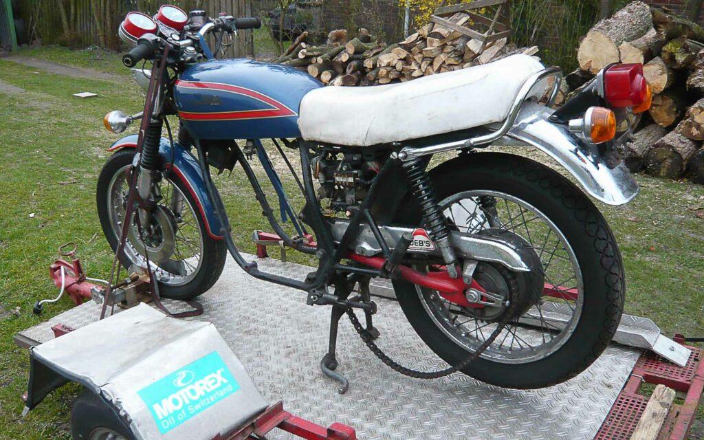 Als Basis für den Caferacer diente diese abgehalfterte Honda CB 550