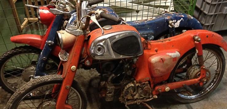 Die beiden Honda C110 waren in einem erbärmlichen Zustand