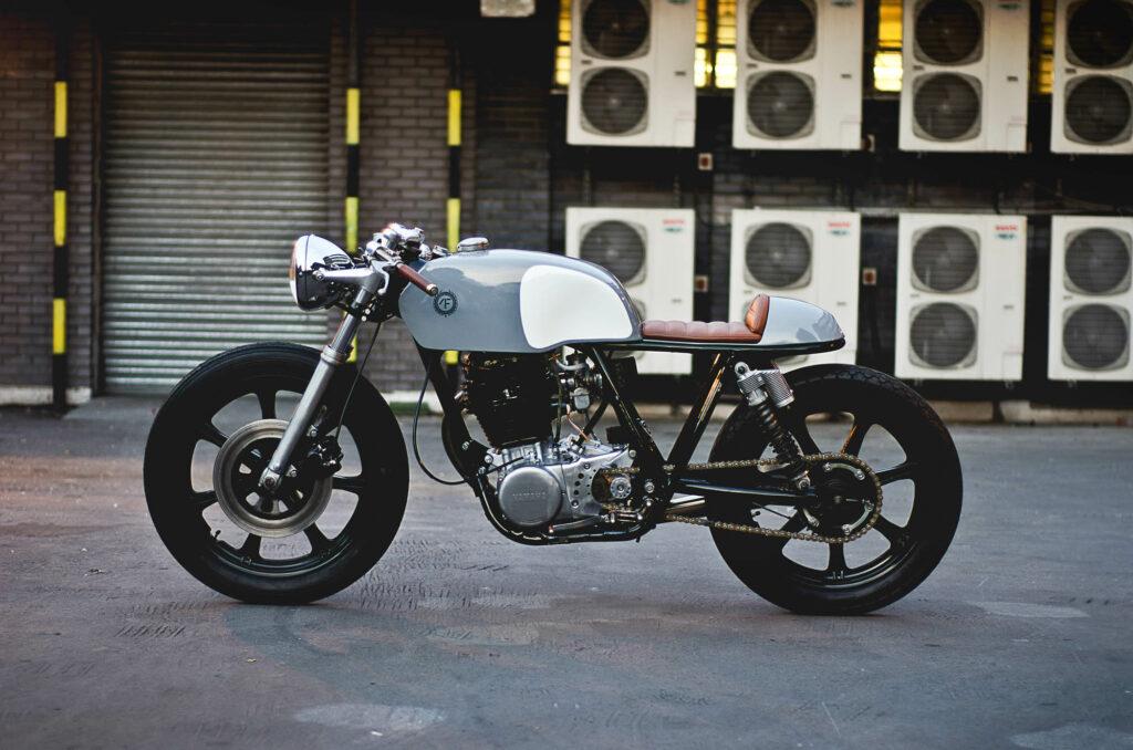 """Basis von """"Typ 2"""" ist eine Yamaha SR 500"""