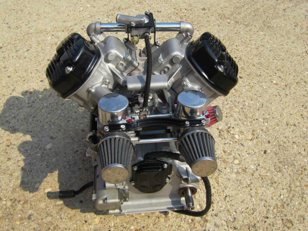 Die Zylinderköpfe der CX500 wurden innen wie außen überarbeitet