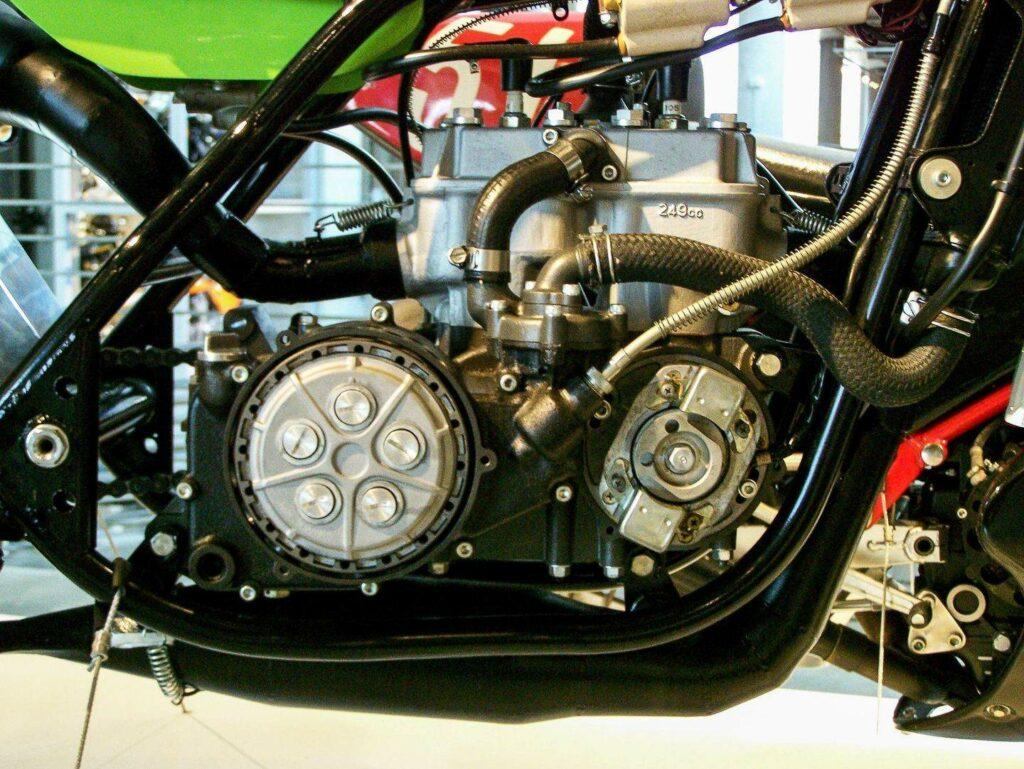 "Der Motor der Kawasaki KR 250 war im ""Tandem-Prinzip"" konstruiert"