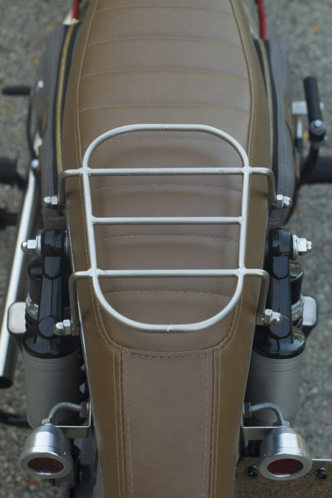 Variabel: Abnehmbarer Gepäckträger an der CA95