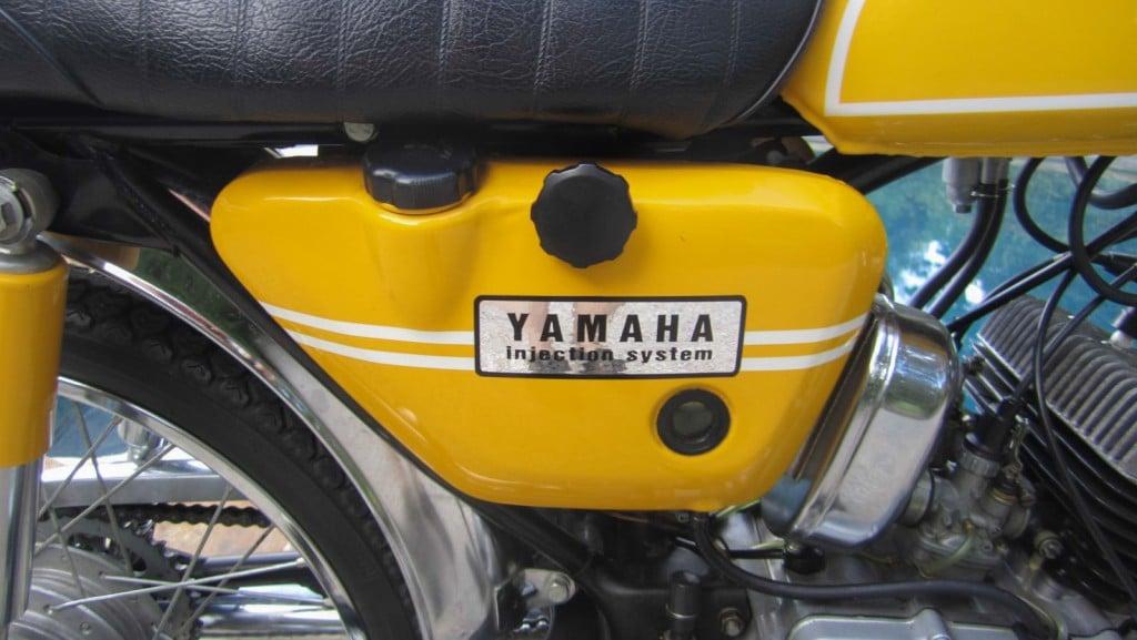 1,5 Liter Ölvorrat für die Getrenntschmierung der Yamaha HS1