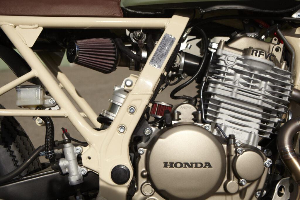 Der Honda-Motor atmet durch einen K & N Filter