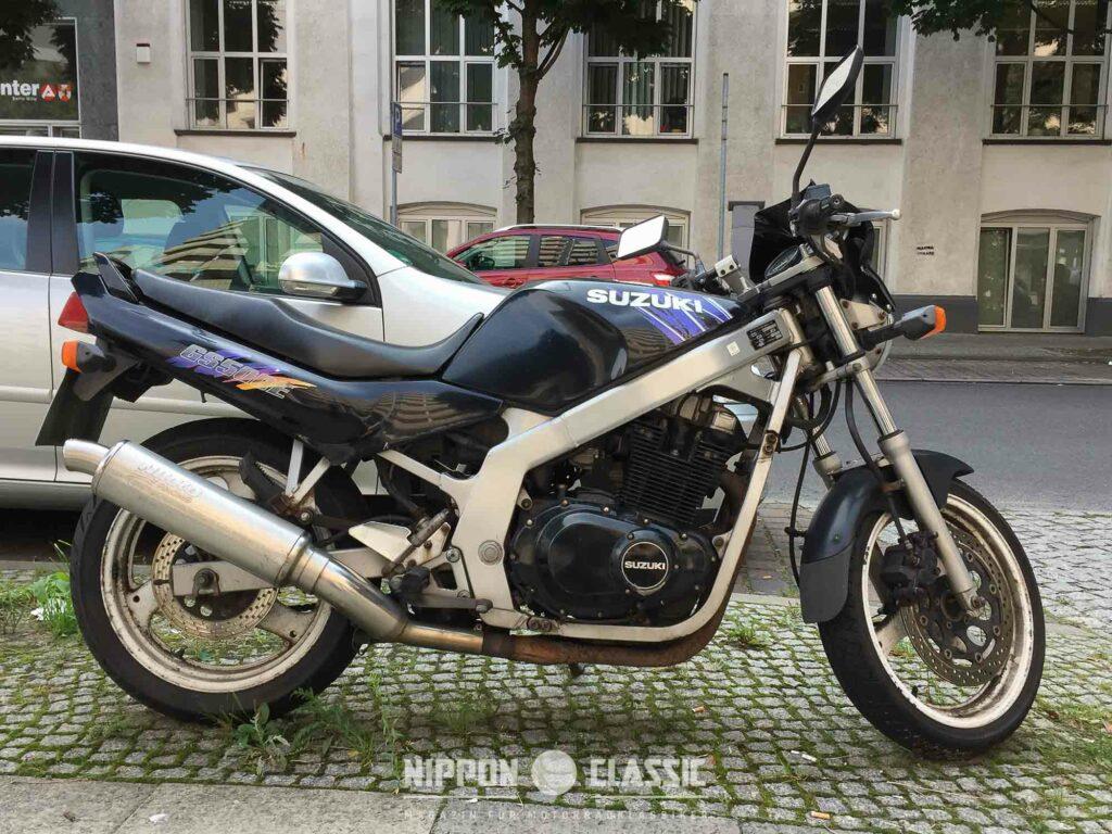 Die Einsteiger-Suzuki GS 500 E kam 1988 auf den Markt (Quelle: Esteban Sanchez)