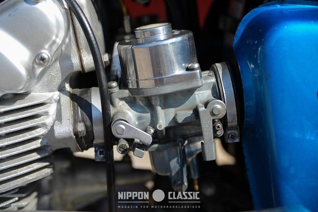 Der CL450 Motor wurde von zwei 36 mm Gleichdruckvergasern befeuert