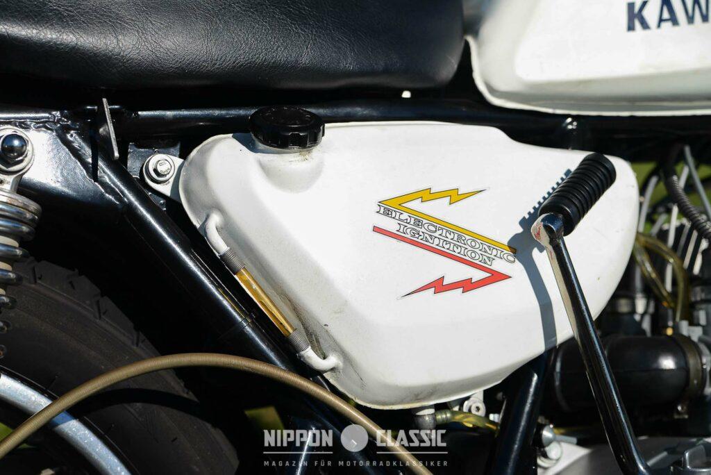 Sichtkontrolle des Ölvorrats an der H1 Kawasaki