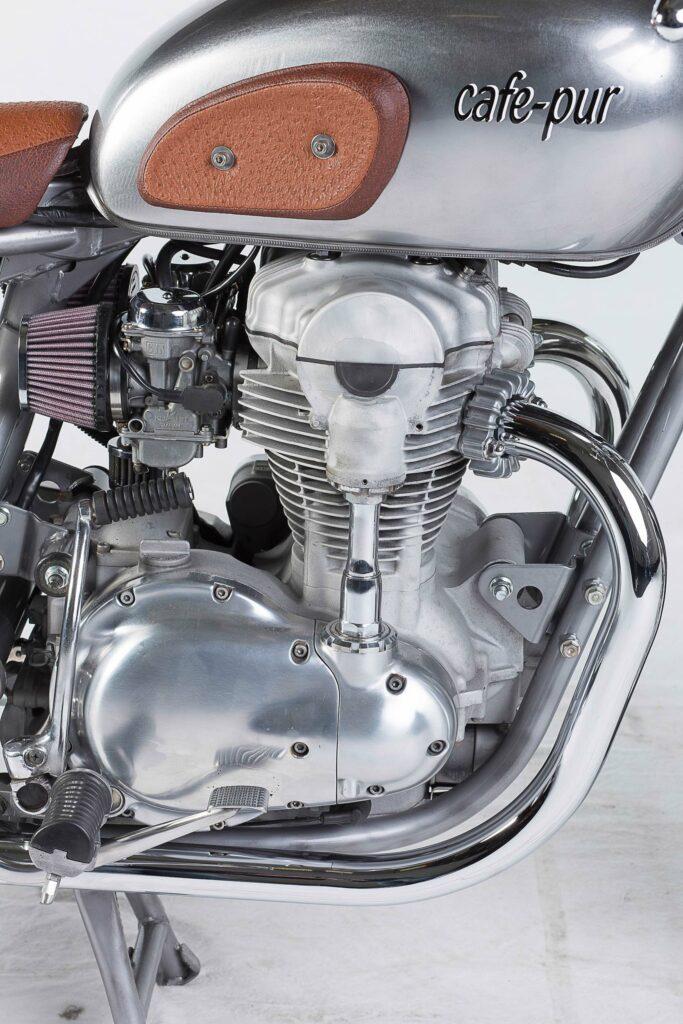 Motor: sandgestrahlt , poliert und mit K&N Filtern bestückt