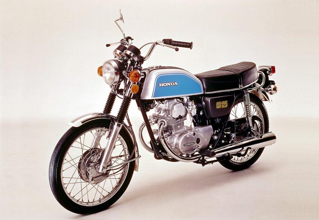 1974 erschien die Honda CB 125 K (B6) mit neuem Design und mechan. Scheibenbremse vorn