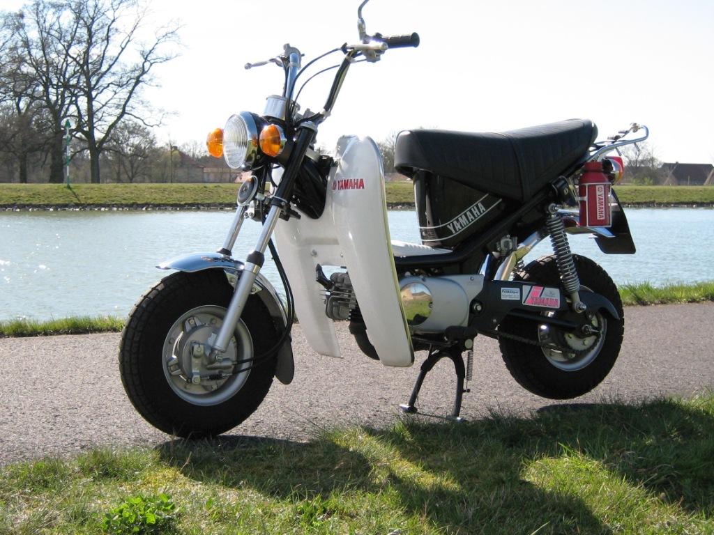 Das Beinschild der Yamaha Chappy ist original