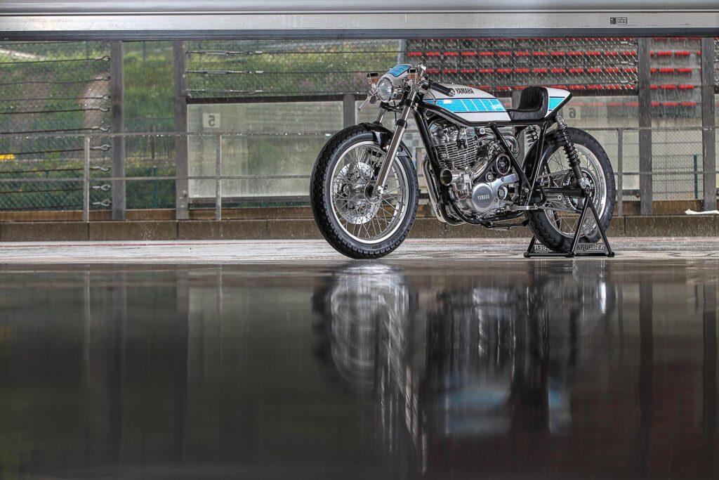 Ein Hauch-Racing Geschichte - Yamaha SR400 von Krugger