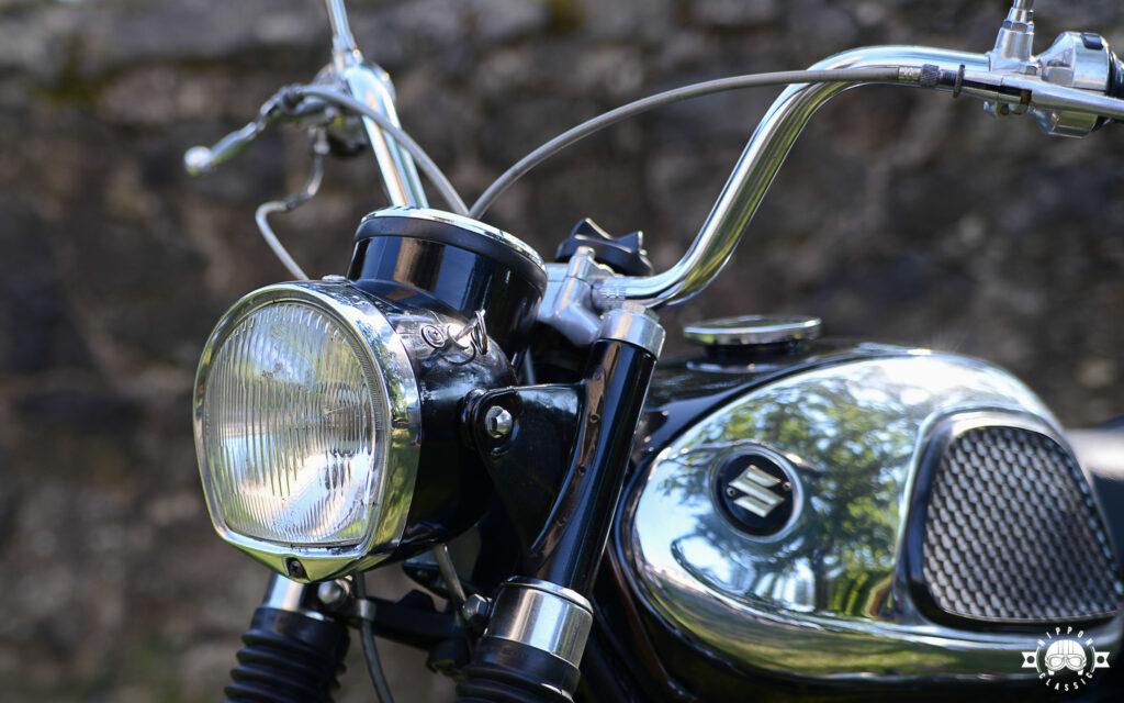 Der hohe Lenker der 250cc Suzuki sorgte für entspanntes Fahren
