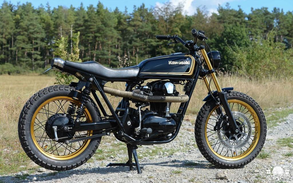 """Kawasaki W650 """"Golden Ei"""""""