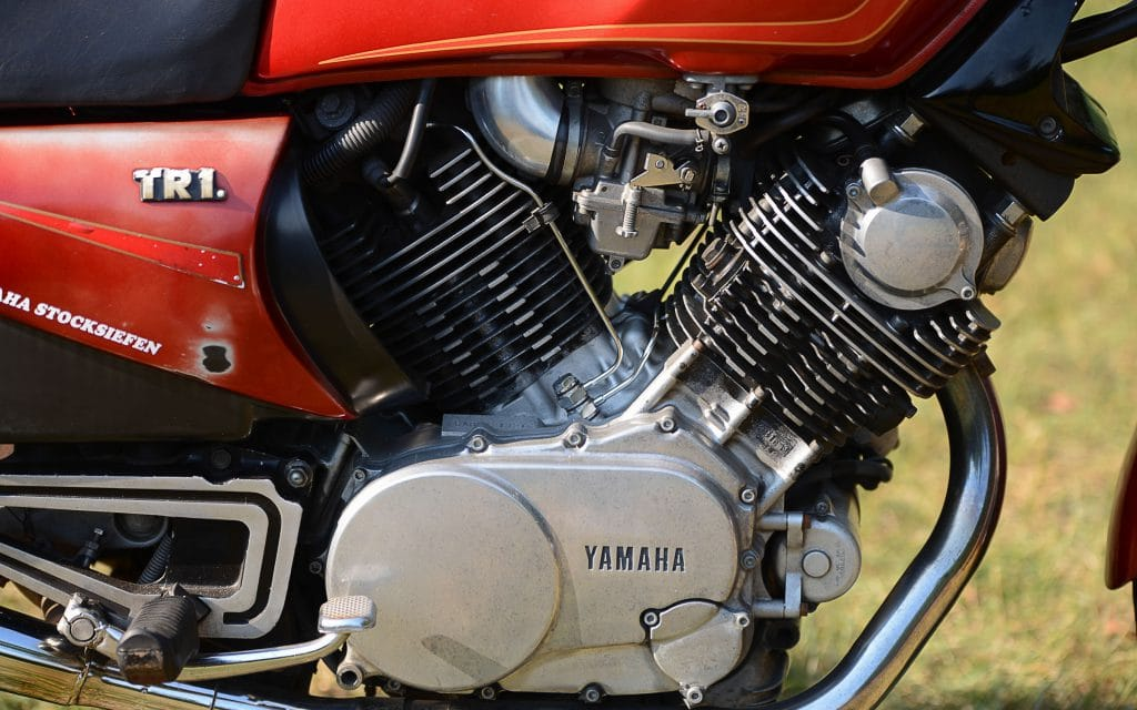 Der V-Motor war als mittragendes Element konstruiert