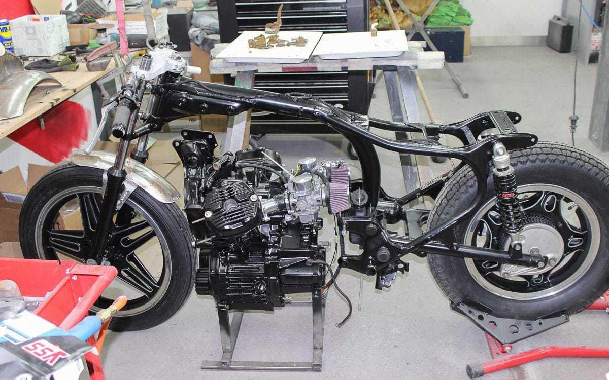 Honda CX 500 Bobber - \