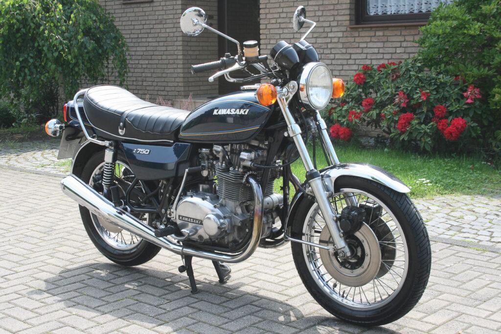 Die Kawasaki Z750 hatte eine gleitgelagerte Kurbelwelle und zwei Ausgleichswellen gegen Vibrationen