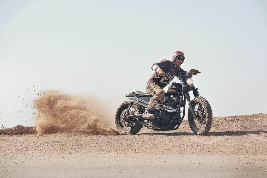 """Die Yamaha SCR950 """"Chequered Scrambler"""" von Brat Style"""