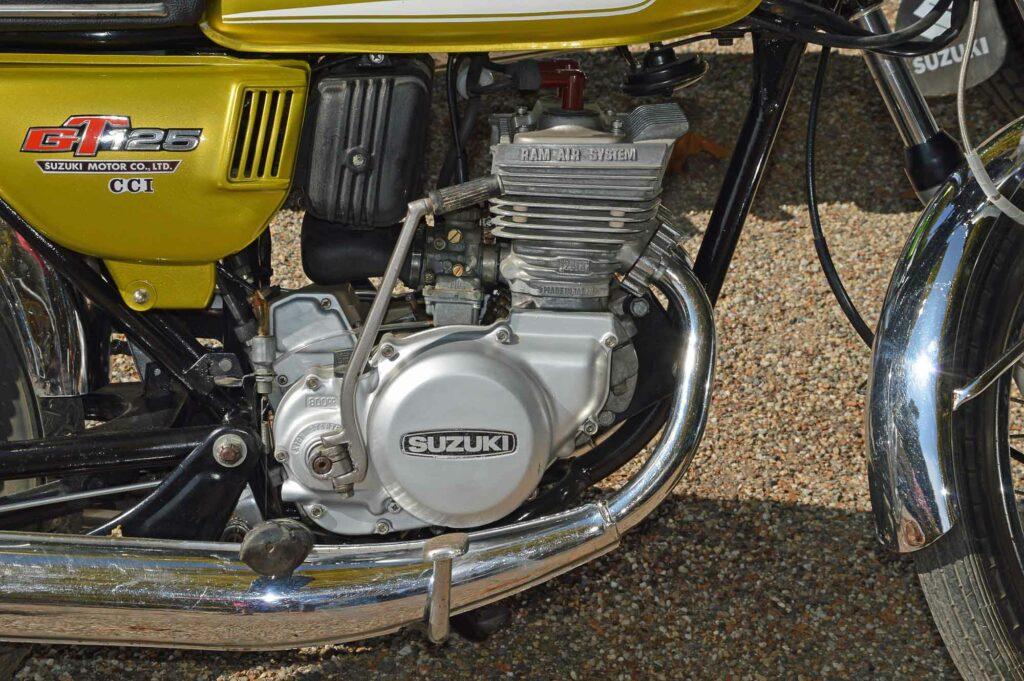 Der Motor der Suzuki GT 125 kam auf eine Literleistung von 116 PS