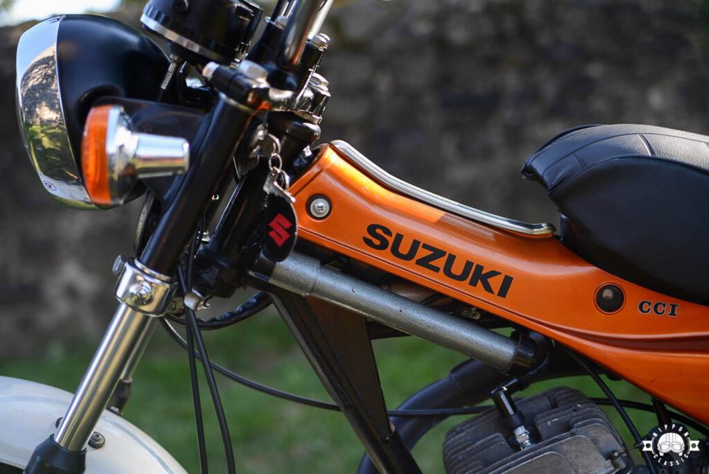 Heute ist Suzuki RV 125 extrem selten, wie auch die Luftpumpe