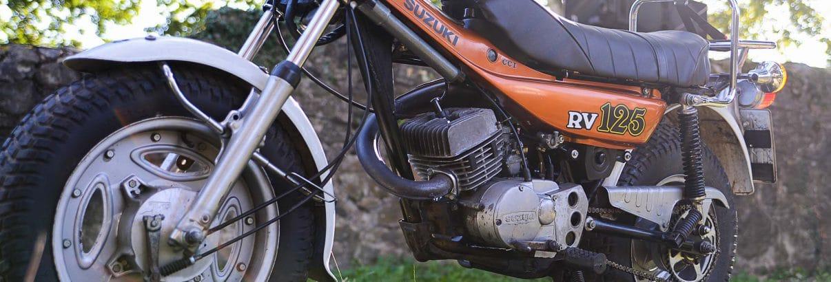 Suzuki RV 125 – auf Gummibällen querfeldein