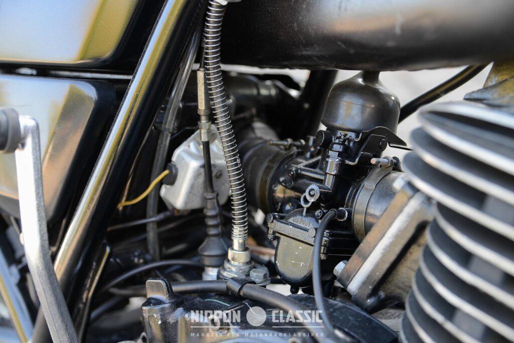 Ein Mikuni-Vergaser versorgte den Brennraum mit dem Kraftstoff-Luft-Gemisch