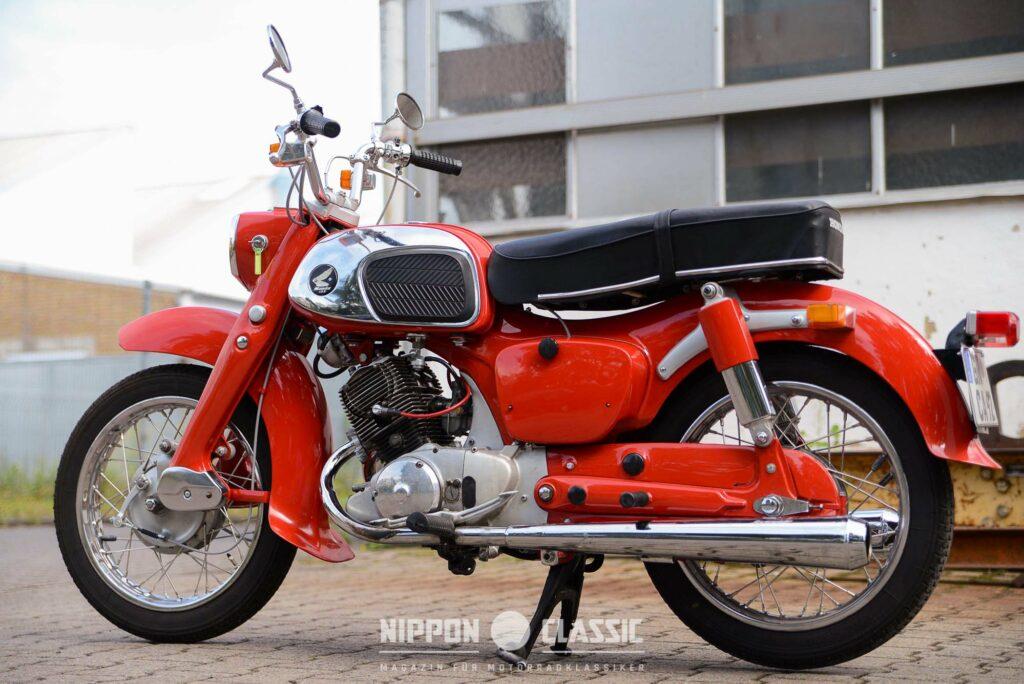 Pressstahlteile dominierten die Hondas jener Zeit