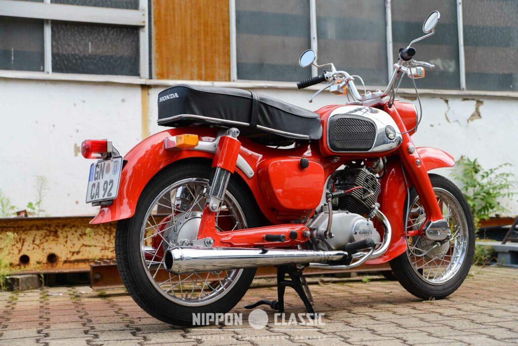 Restaurierten Exemplaren der Honda C 92 ist der Vorrang zu geben