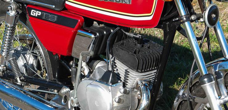 Der GP 125 Motor leistet knapp 10 PS und ist recht agil