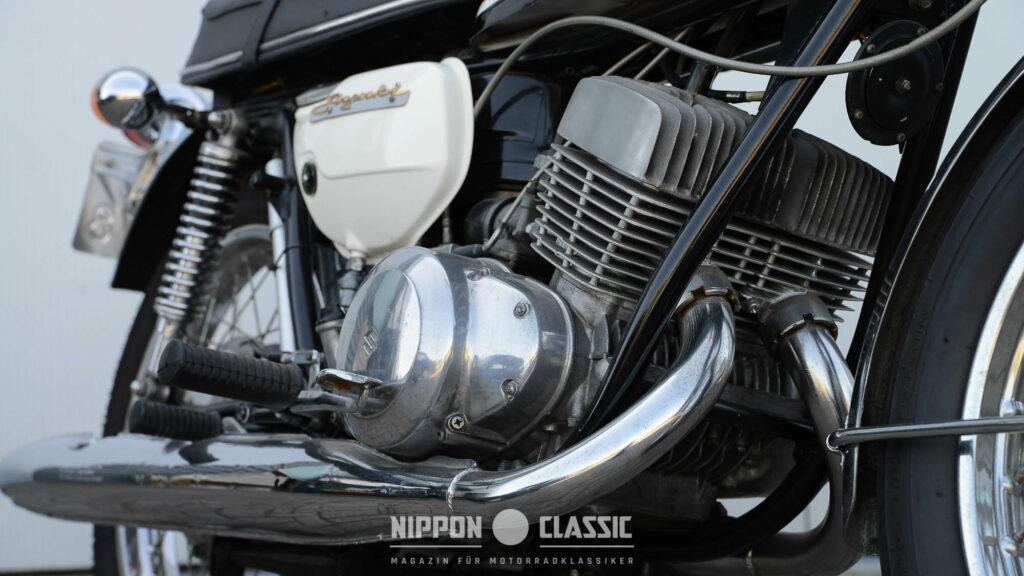 Die 39 PS der T 350 kamen spielend mit dem 149 Kg schweren Motorrad zurecht
